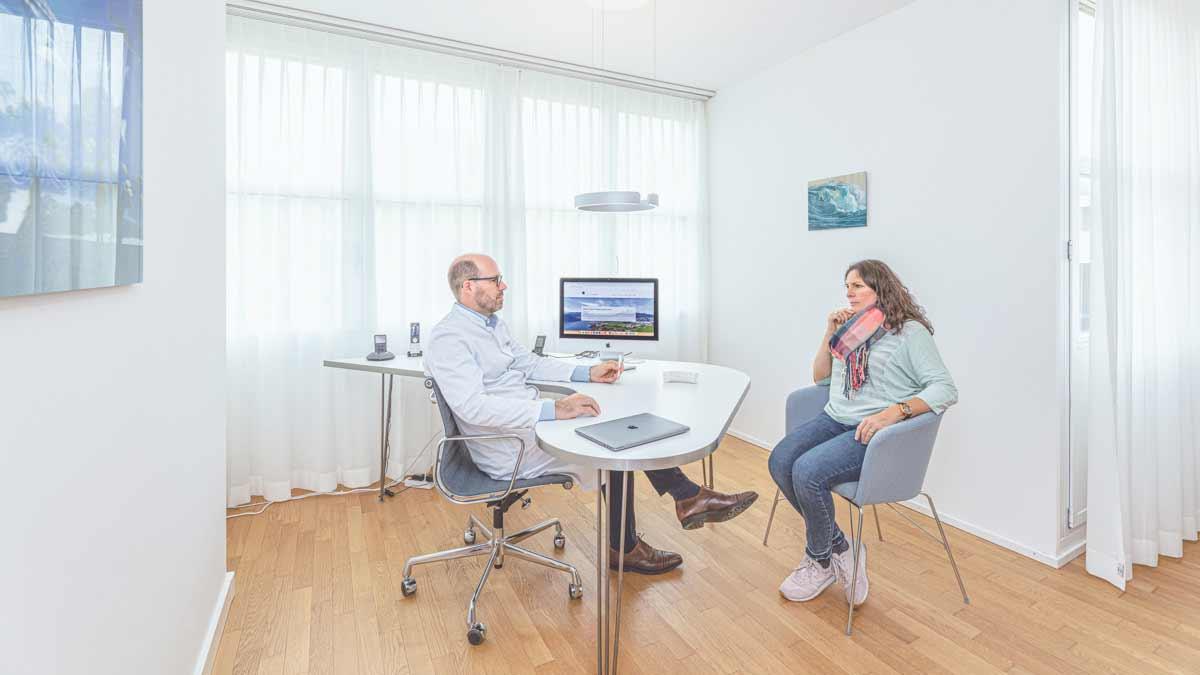 Gefaesschirurg Prof. Dr. Stefan Ockert in der Gefässpraxis in Luzern